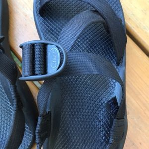 Chaco Shoes - Black One strap toeless Chacos